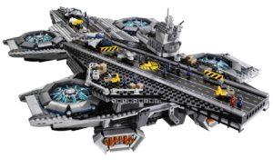 The SHIELD Helicarrier von Lego